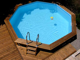 Piscines en for Piscine semi enterree bois hexagonale